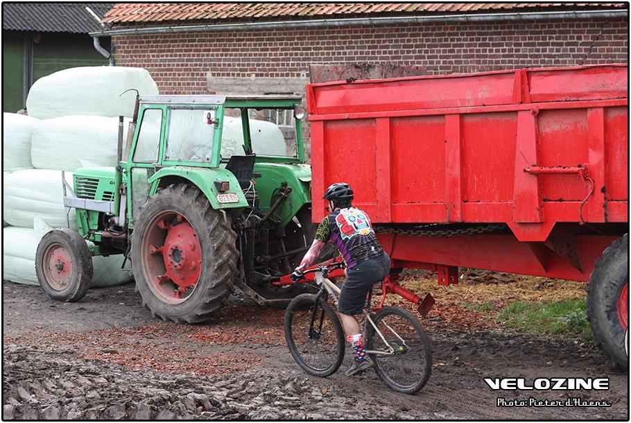 HellCross15_tractor