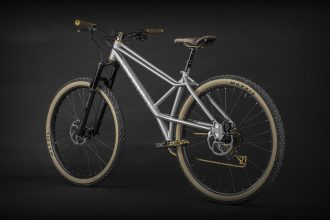 Devinci YYZ: The Neo-Retro Project