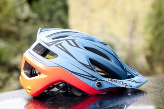 Review Troy Lee Designs A2