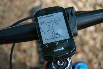 Garmin Edge 830 on trail