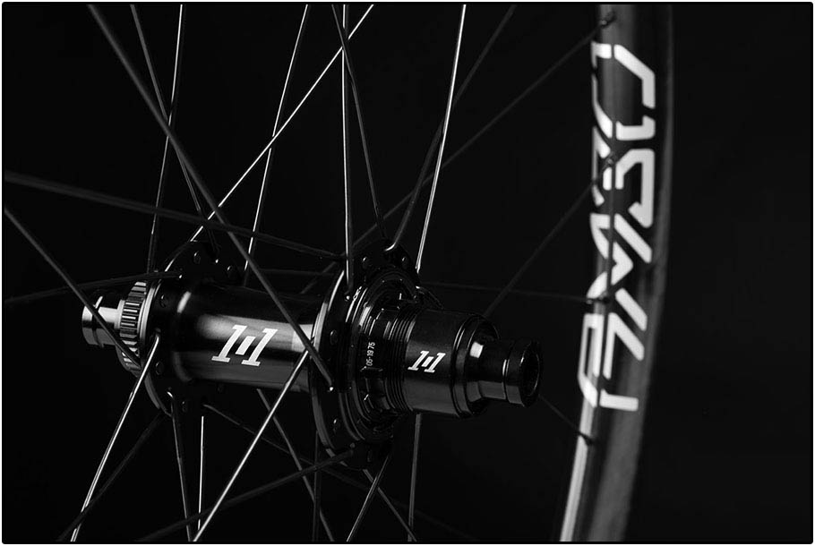 Enve AM30 Industry Nine naven