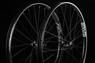 Enve Foundation Series: AM30 'budget' carbon wielset
