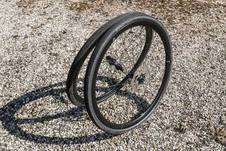 Geresearched: Ere Research Explorator GC30 wielen en Tenaci banden