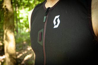 Aangetrokken: Scott Vanguard EVO Jacket (rug)protectievest