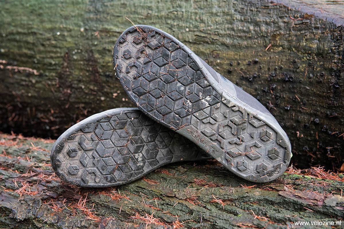 Afhankelijk van de positie onder de voet is ieder deel van de zool apart geprofileerd.