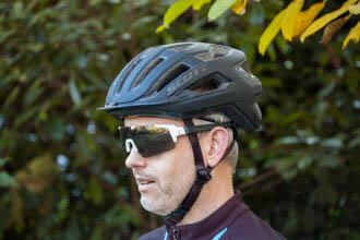 Test   Scott ARX Plus: High-end helm met MIPS voor niet-high-end prijs