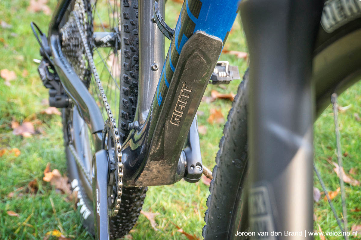 Ook de onderbuis van het Advanced SL frame heeft rubber bescherming