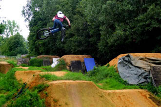 Spotcheck | SFA Bikepark Doetinchem: Pompen, springen en pitten!
