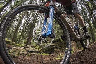 Test | PowerStop-remschijven en DiscStop-remblokken van BBB Cycling